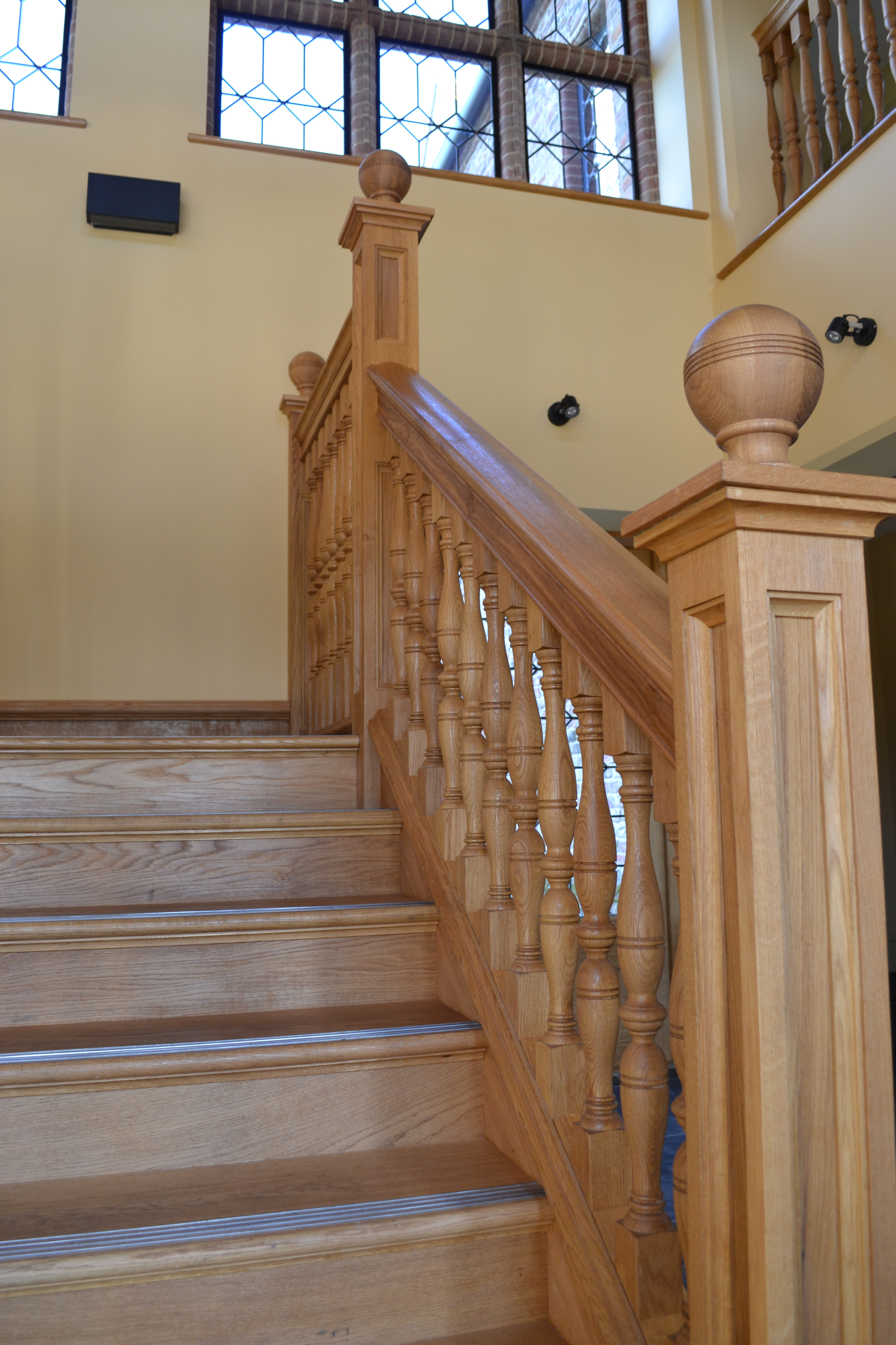 Oak Turned Half Landing Staircase