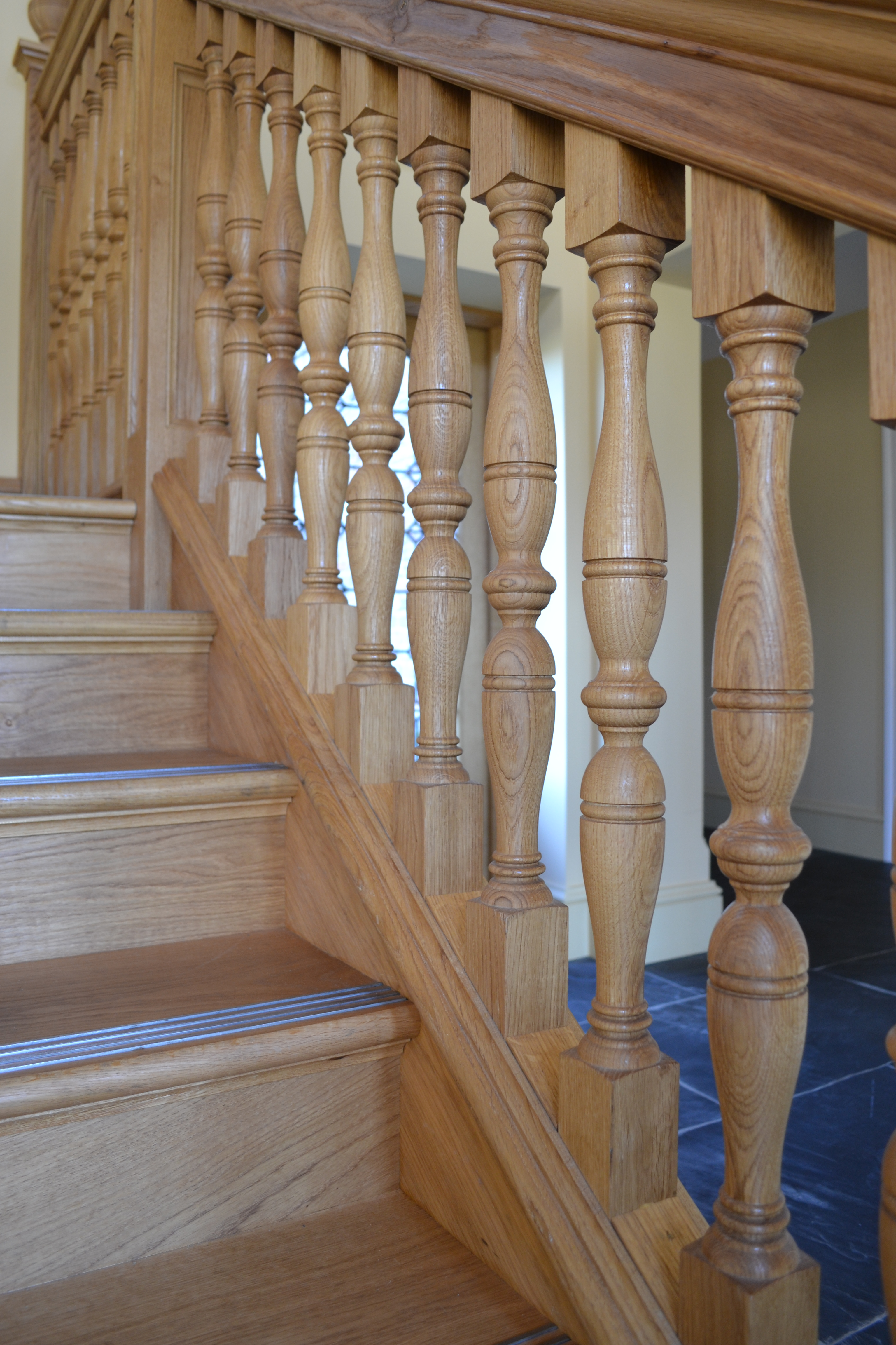Oak Turned Balustrade & Spindles